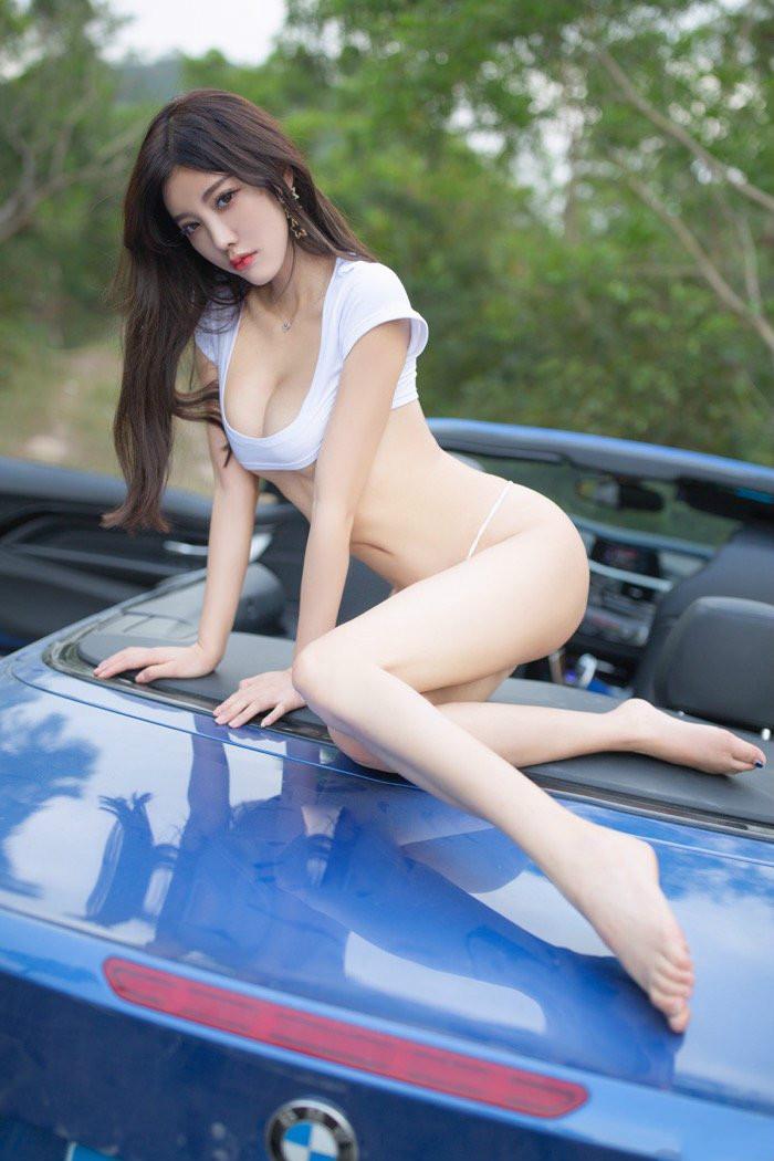 老司机开车啦,气质小姐姐杨晨晨带你进小树林车震