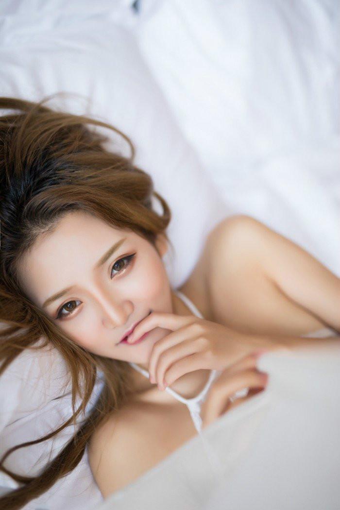 XiuRen(秀人)苗条美女Miko酱齐B包臀裙清凉写真 蜂腰美腿身材完美