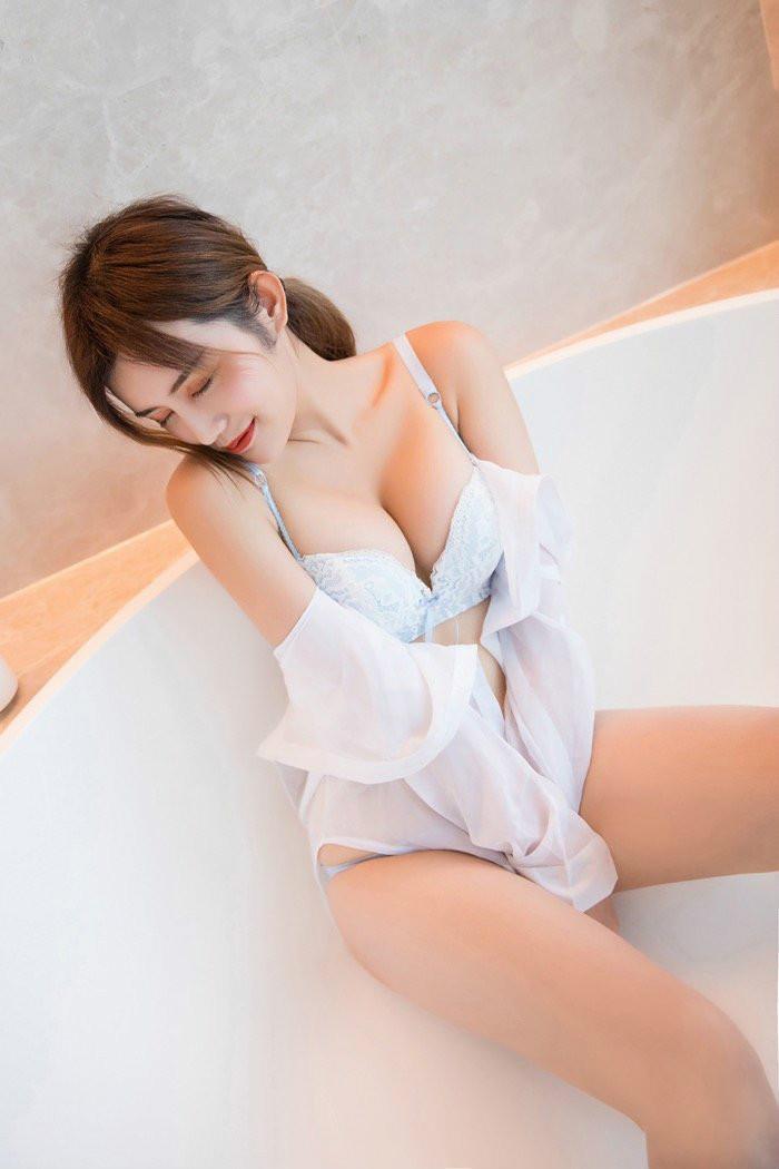 XiuRen(秀人)性感兔女郎Cris卓娅祺美腿写真 甜美的笑容酥到你心坎