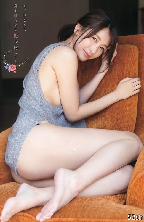 171高身长练体操的C奶写真明星 山崎真实表情超魅惑