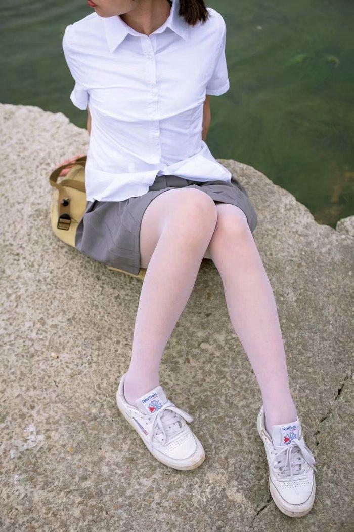 森萝财团馆丝袜女图片 丝袜性感美腿写真满足丝足控