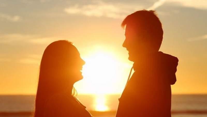 """暗恋你三年成情侣 痴情女子被男朋友当""""变态者"""""""