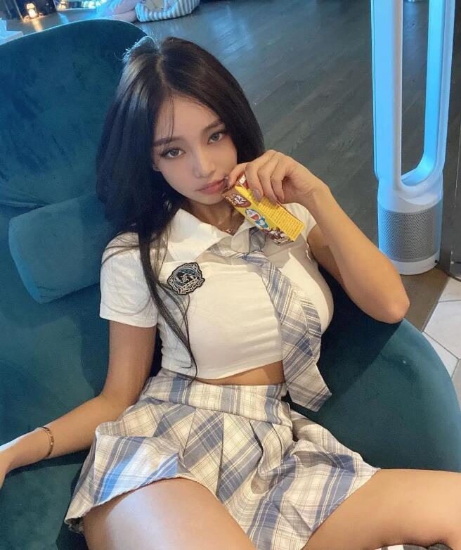 jeee622韩国人气网络美女美照(多图)鉴赏