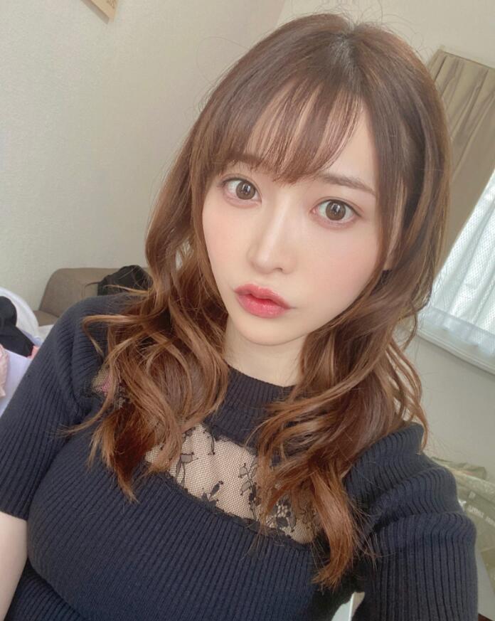 七濑爱丽丝(七瀬アリス)CAWD-238:美少女喝醉化身为爱鼓掌狂魔!