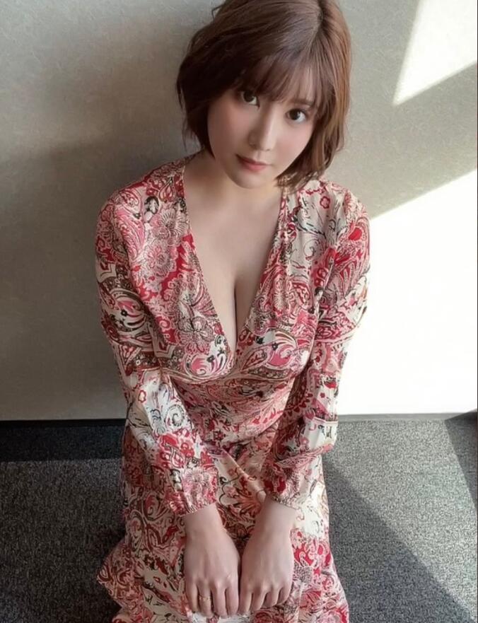 有栖花绯(有栖花あか)SSIS-111:来自J杯靓妹不穿内衣的引诱!
