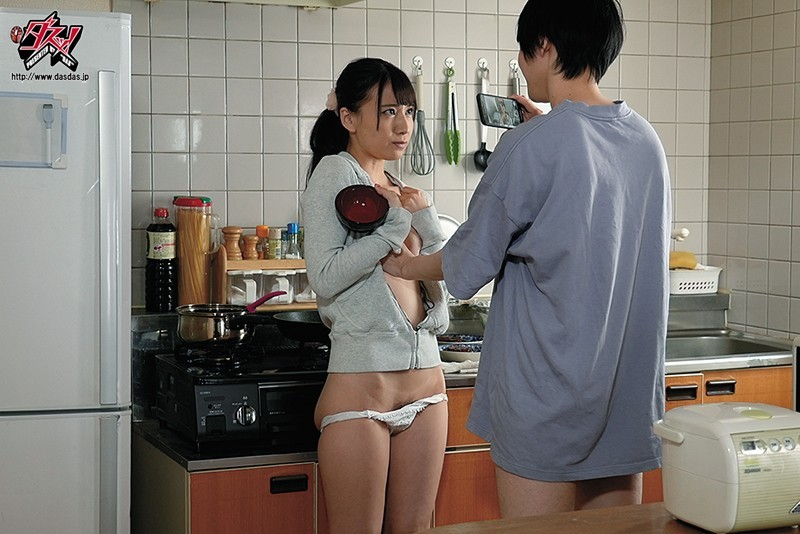 初川みなみ(初川南)作品DASD-877 :父母不在就和青梅竹马在家中出爱爱。