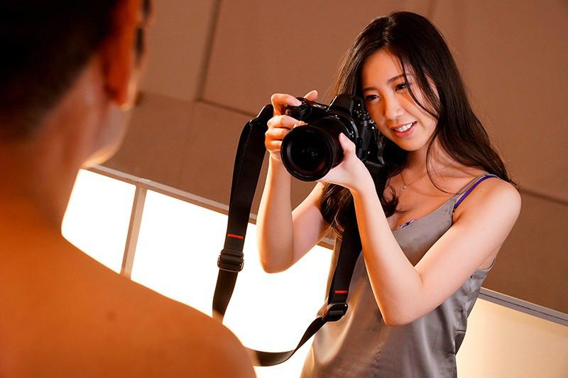 笹原可怜JUL-424 美女摄影师工作后继续服务客人